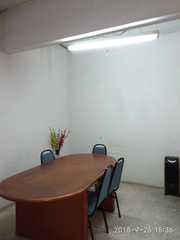 Amapng (Taman Nirwana) office for rent