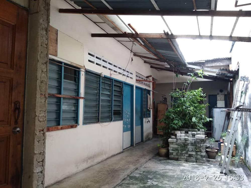 Amapng (Taman Nirwana) office for rent