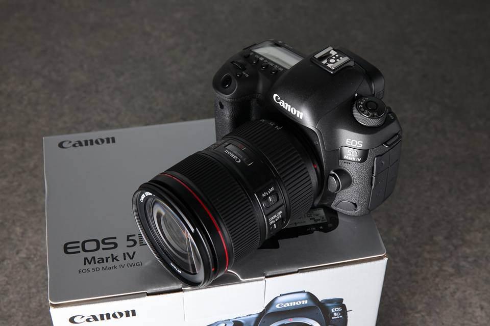 Canon 5D Mark IV + 24-105mm f/4L II Lens