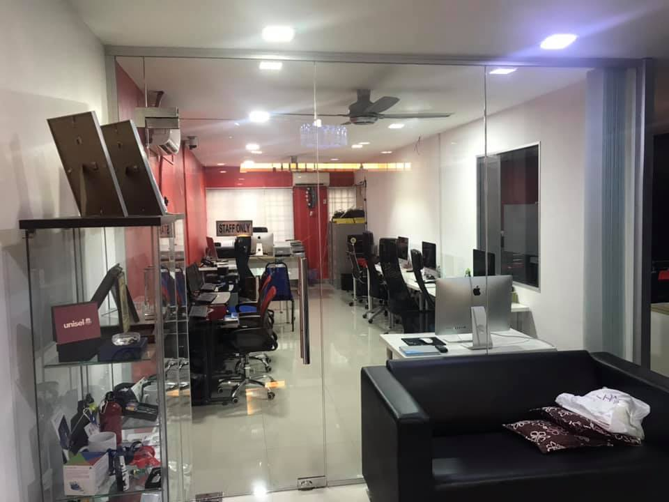 Fully Renovated Office for Sale in USJ 1 ( RM 475K )