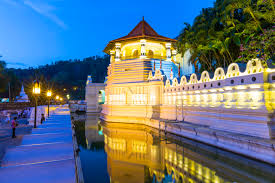 A Weekend Visit to Kandy & Colombo – Deluxe